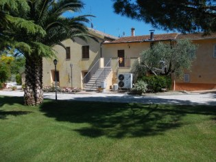 """Country House """"Ingresso Stanze"""""""
